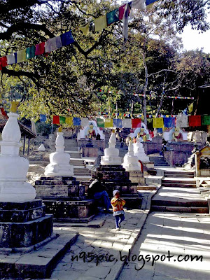 stupas and prayer flags, n95 pictures,flags in kathmandu ,history,free pictures for n95 mobile,flags in n95