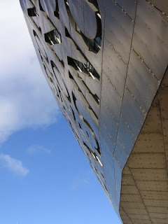 Photograph by Rullsenberg: Millenium Centre