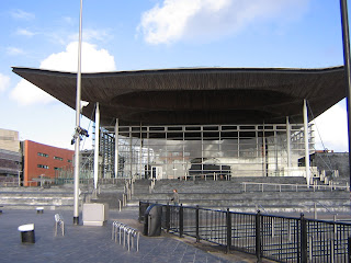 Photo by Rullsenberg: Welsh Assembly building by Richard Rogers