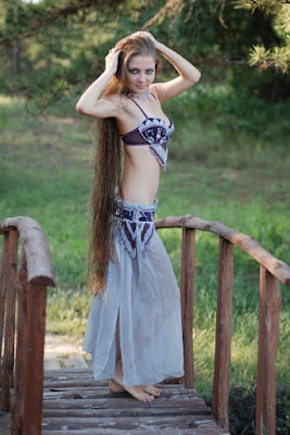 completely free dating site Woman with hair to her knees