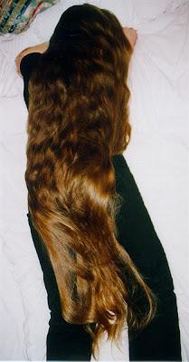 extremly long hair