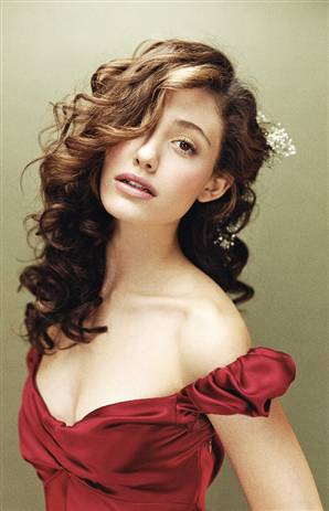 TOP 20 Celebrity Emmy Rossum Fashionable Hairstyles 08