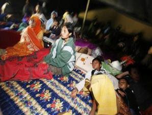 Pengungsi Korban Gempa Tasikmalaya