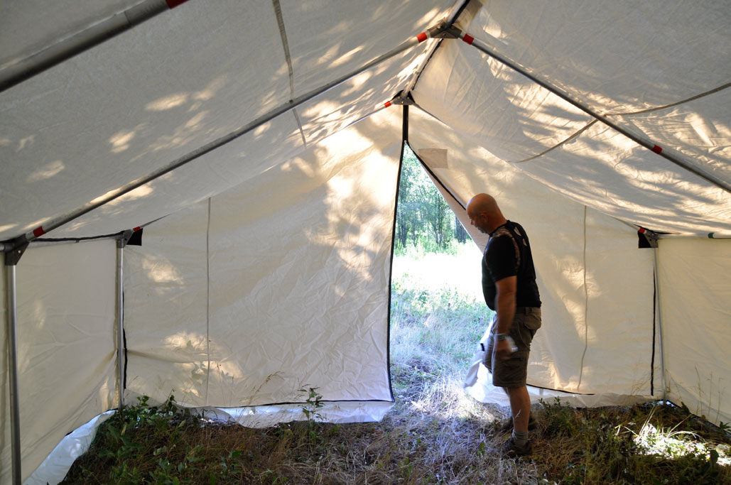 A really unique idea is the complete zippered opening on the rear of the tent so you can bring in larger items like a quad that needs work! : deluxe wall tents - memphite.com