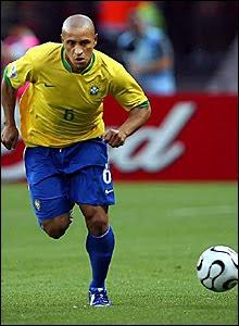 Roberto Carlos vuole giocare ai mondiali