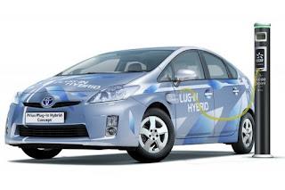 Il programma CalCars della Davis University in California rende elettriche delle Toyota Prius come questa.
