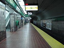 Vista de la estación Pueyrredón de la línea {{{linea}}}