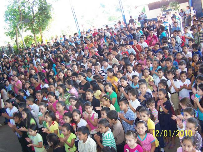 Estudiantes del Centro Escolar Benito Nolasco