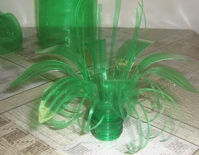 Como hacer flores de botellas de plástico