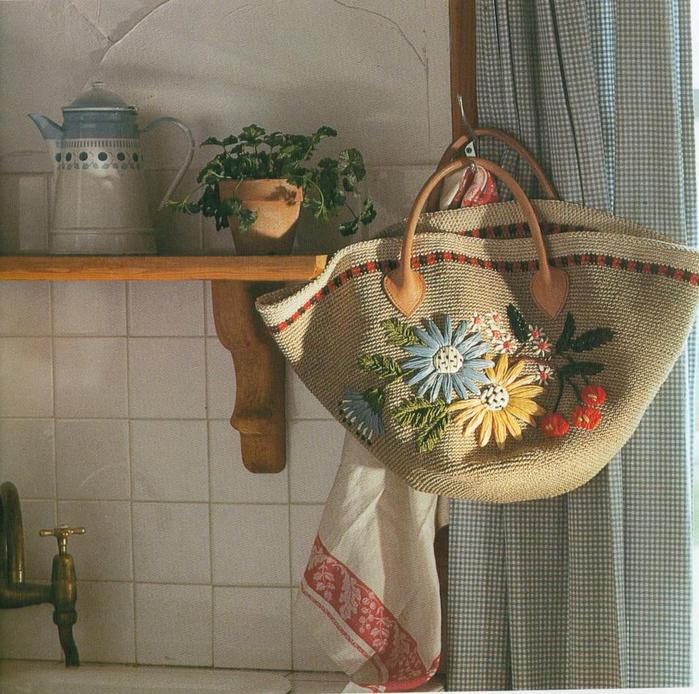 Bolsas bordadas bellamente con rafia - Manualidades con rafia ...