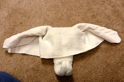 Figuras con toallas de baño-elefante paso a paso