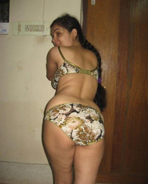 Image search: aunty removing saree and bra naked