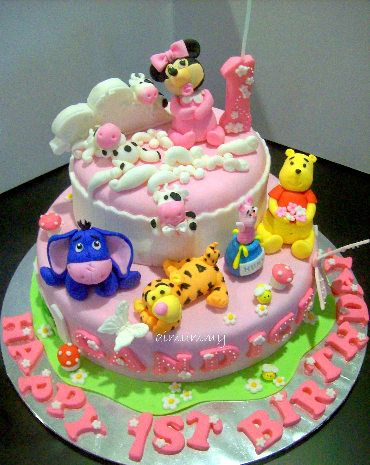 Cake Designs Of Birthday : AiMummy: Another sweet pooh & minnie cake
