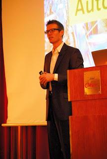 Dennis Mortensen sharing is vision of tomorrows Web analytics