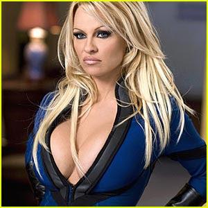 http://1.bp.blogspot.com/_7qrC24MxaYY/SU5-paZvXfI/AAAAAAAAA-Y/63AHdqmB41c/s400/pamela-anderson-superhero-movie.jpg