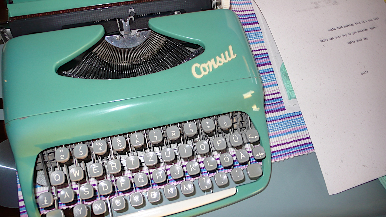 Typewriting and fountain pens von z rich consul for Install consul