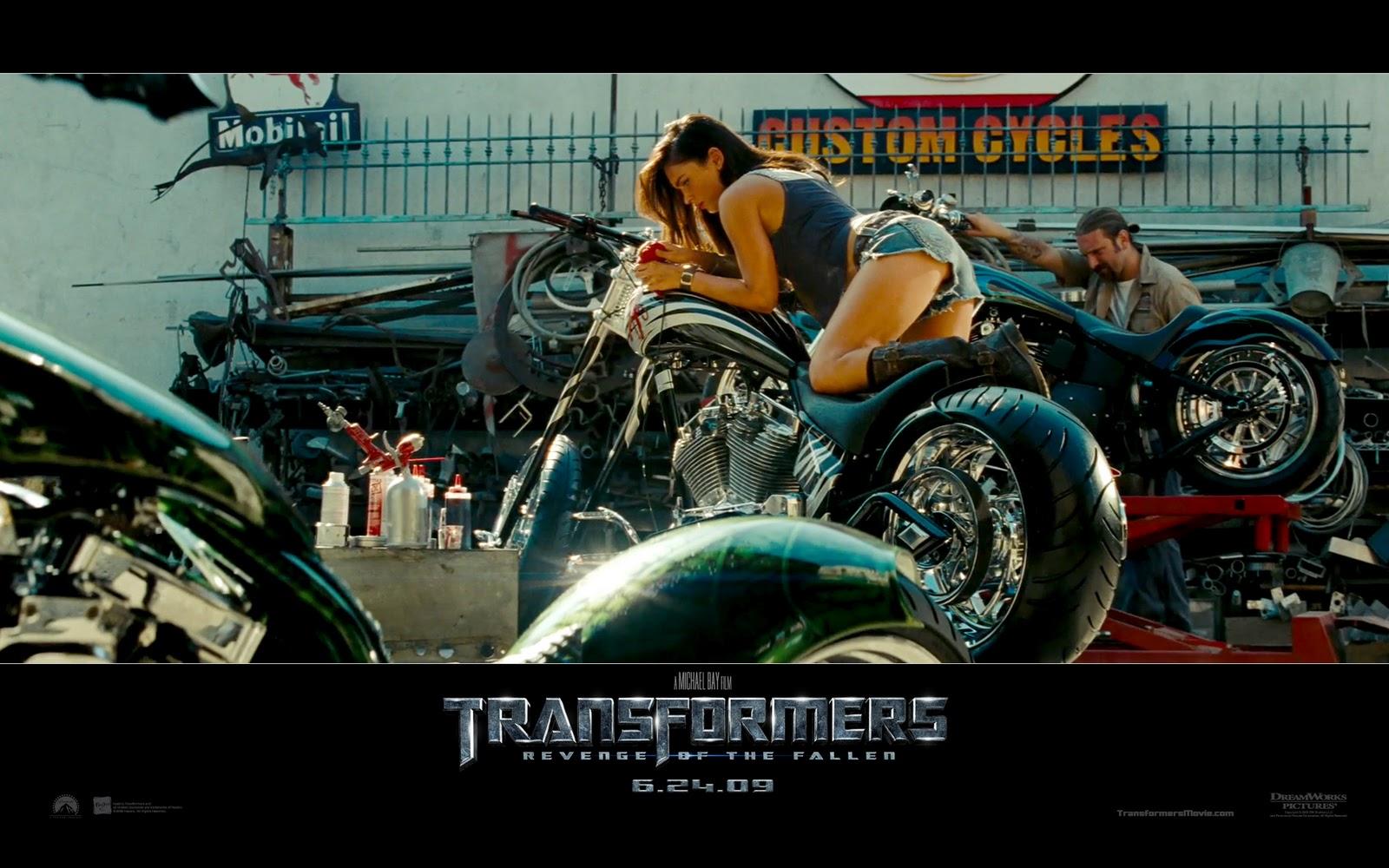 http://1.bp.blogspot.com/_7ub7OOBg4Xc/TTDpaRM6LiI/AAAAAAAAAWM/SHWsbR0PlR4/s1600/transformers+2+Wallpaper.jpg