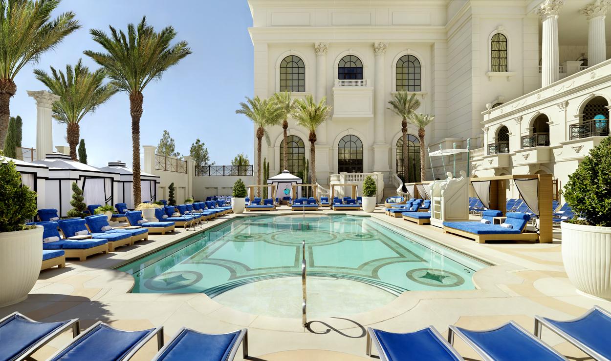Las piscinas en los hoteles de las vegas lucas gunitec for Follando en la piscina del hotel