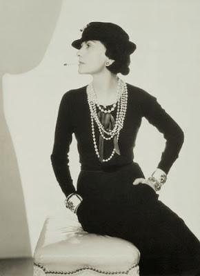 http://1.bp.blogspot.com/_7voWRpt7Li4/R8-P30fUzJI/AAAAAAAABss/4lmwwcW-DyY/s400/Coco+Chanel+1.jpg