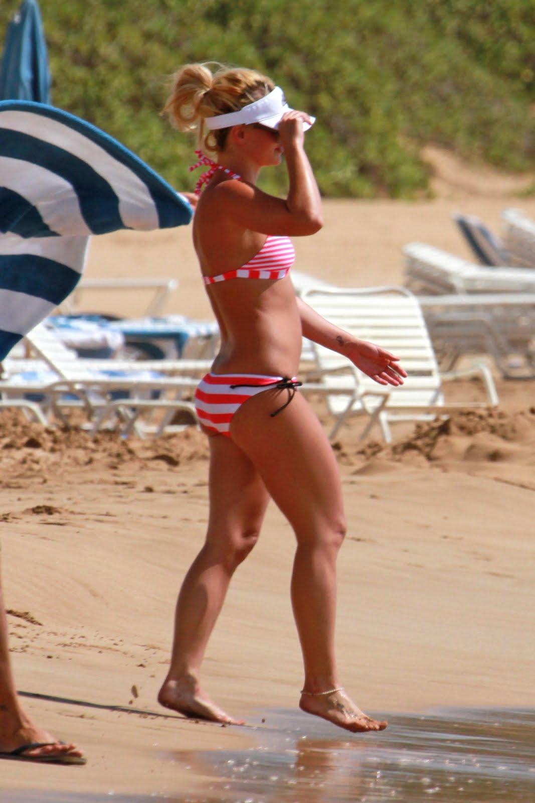 http://1.bp.blogspot.com/_7w745oVy_y0/TIJi-cI7tjI/AAAAAAAAARo/DgvFVxdJ_wI/s1600/BeachPics.jpg