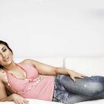 Kareena Kapoor in Jeans Cute  Pics