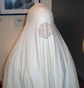 [Image: Me-in-white-burqa-standing-closeup.jpg]
