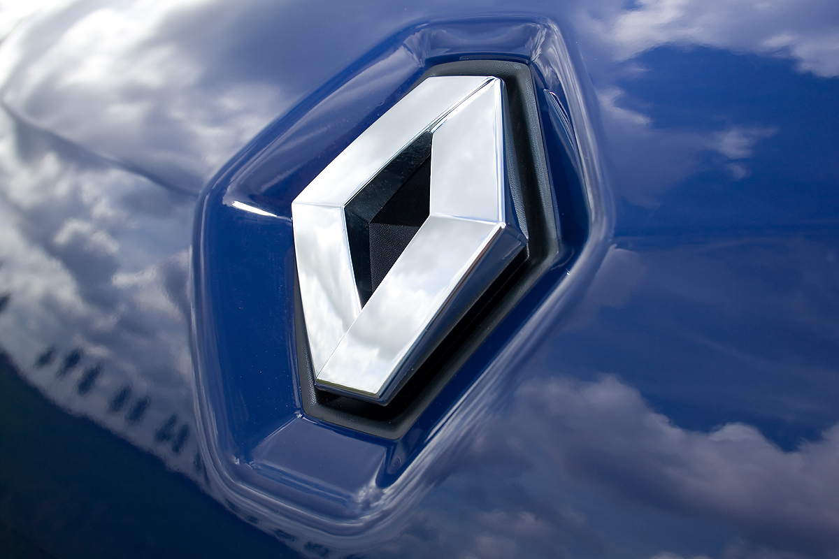 Starting with r renault logo history renault recent logo