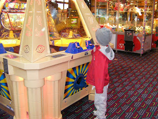 one-armed bandit, playing arcade games