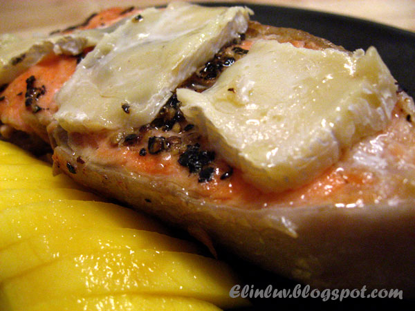 Elinluv's Tidbits Corner: Pan Seared Alaskan Salmon With Brie