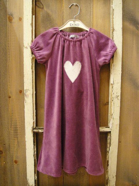 Lilla kjole i herlig velour stoff