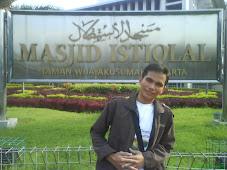 dibawah naungan Mosque