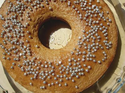 torta ciambella con praline di zucchero