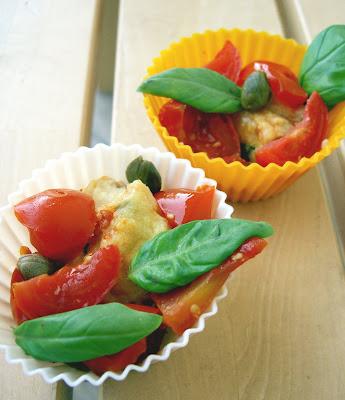 polpettine di ricotta con pomodorini, capperi e origano