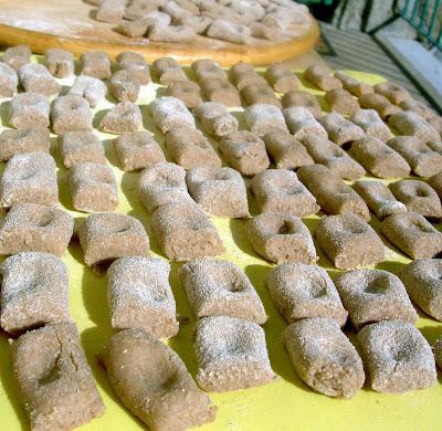 gnocchi di farina di castagne e farro alla crema di tartufo