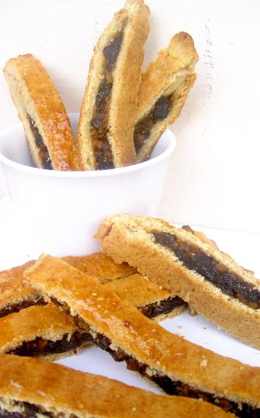 barrette con pistacchi, prugne e miele