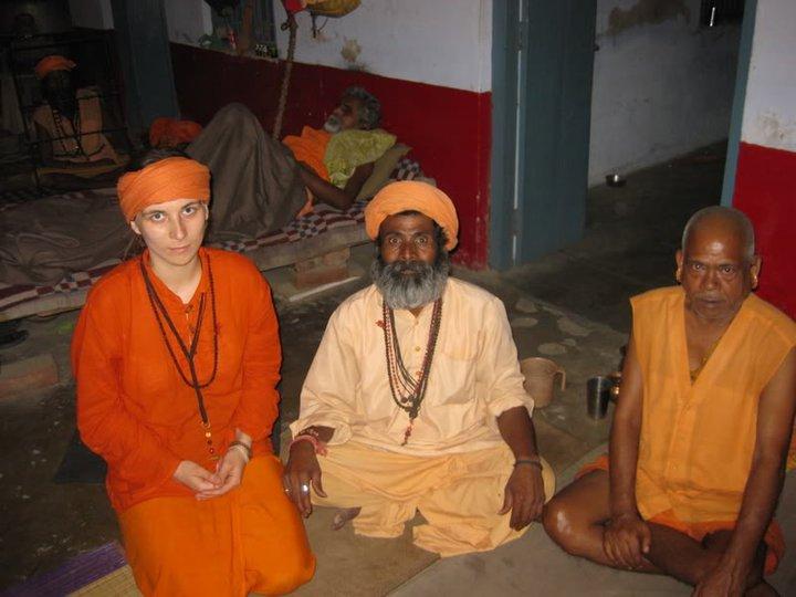 www.IndianMiniaturePaintings.co.uk - Nath yogis at camp with huqqa ...
