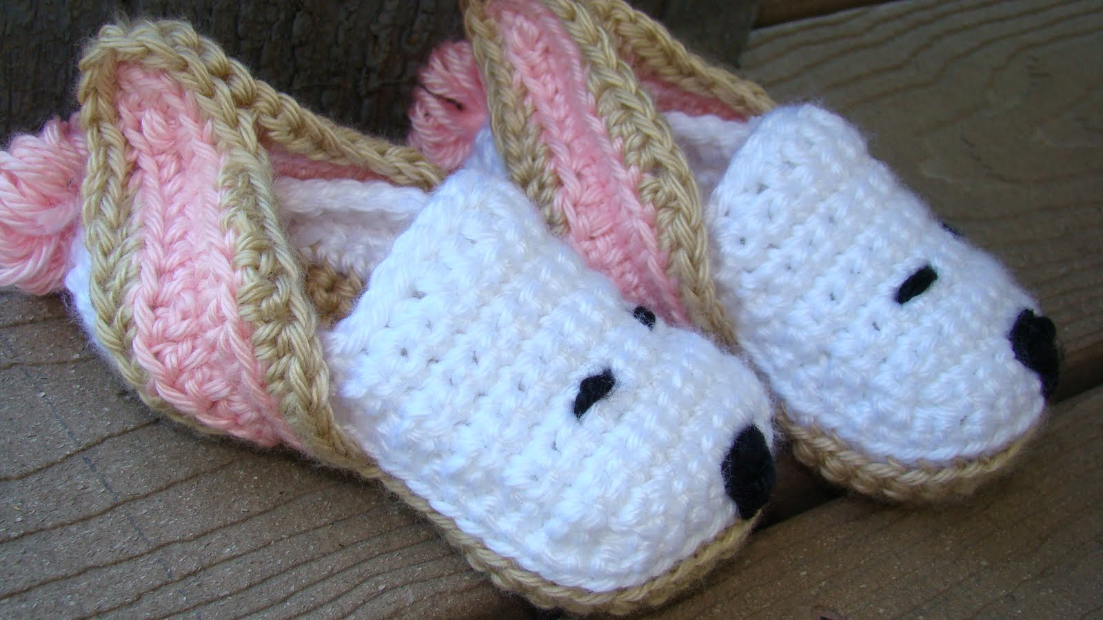 Free Crochet Pattern For Bunny Slippers : Crafts By Starlight: Crochet Slippers - Bunny Slippers