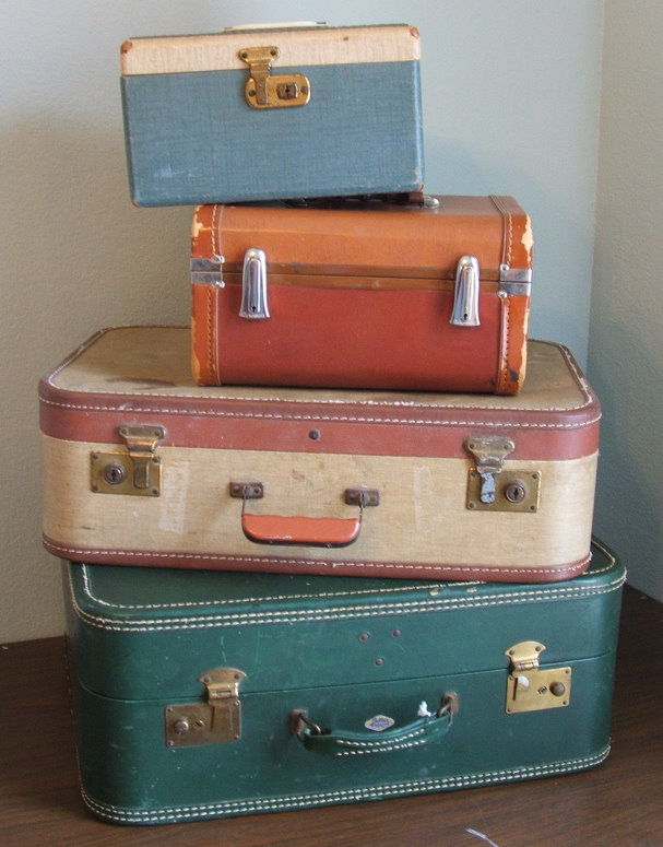 Tuppence Ha'penny: Decorating with Vintage Luggage