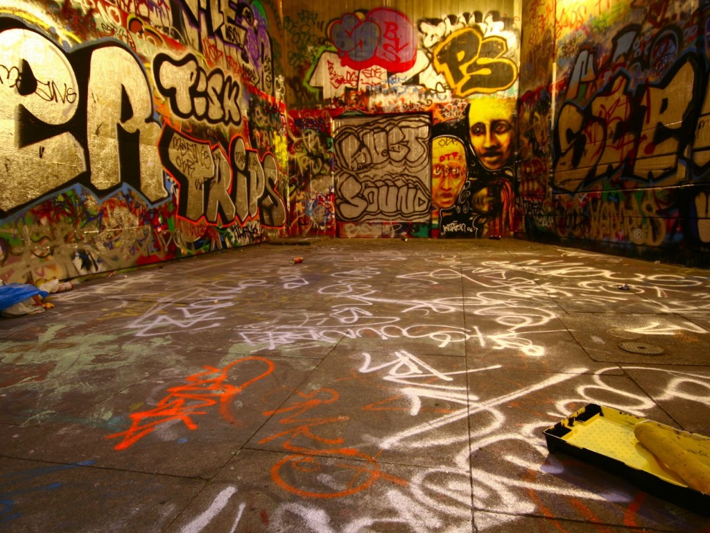 Free hd best graffiti desktop wallpaper wallpapers and for Creative mural art