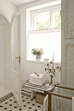 vintage chic inspirasjon nina hartmanns bad bathroom. Black Bedroom Furniture Sets. Home Design Ideas