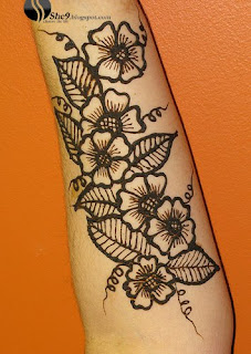 Floral Mehndi Desing for Beautiful Girl