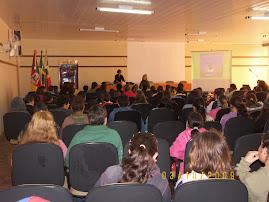 Palestra de combate ao craque para os alunos EMFE Gen. Antônio de Sampaio.
