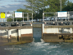Lake Michigan, Chicago River Lock--just open the gate and let the Lake in.
