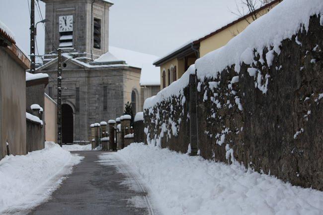 Mon village (lorrain) sous la neige 2Rue%2Bhaute%2B%25C3%25A9glise%2Bneige%2B2