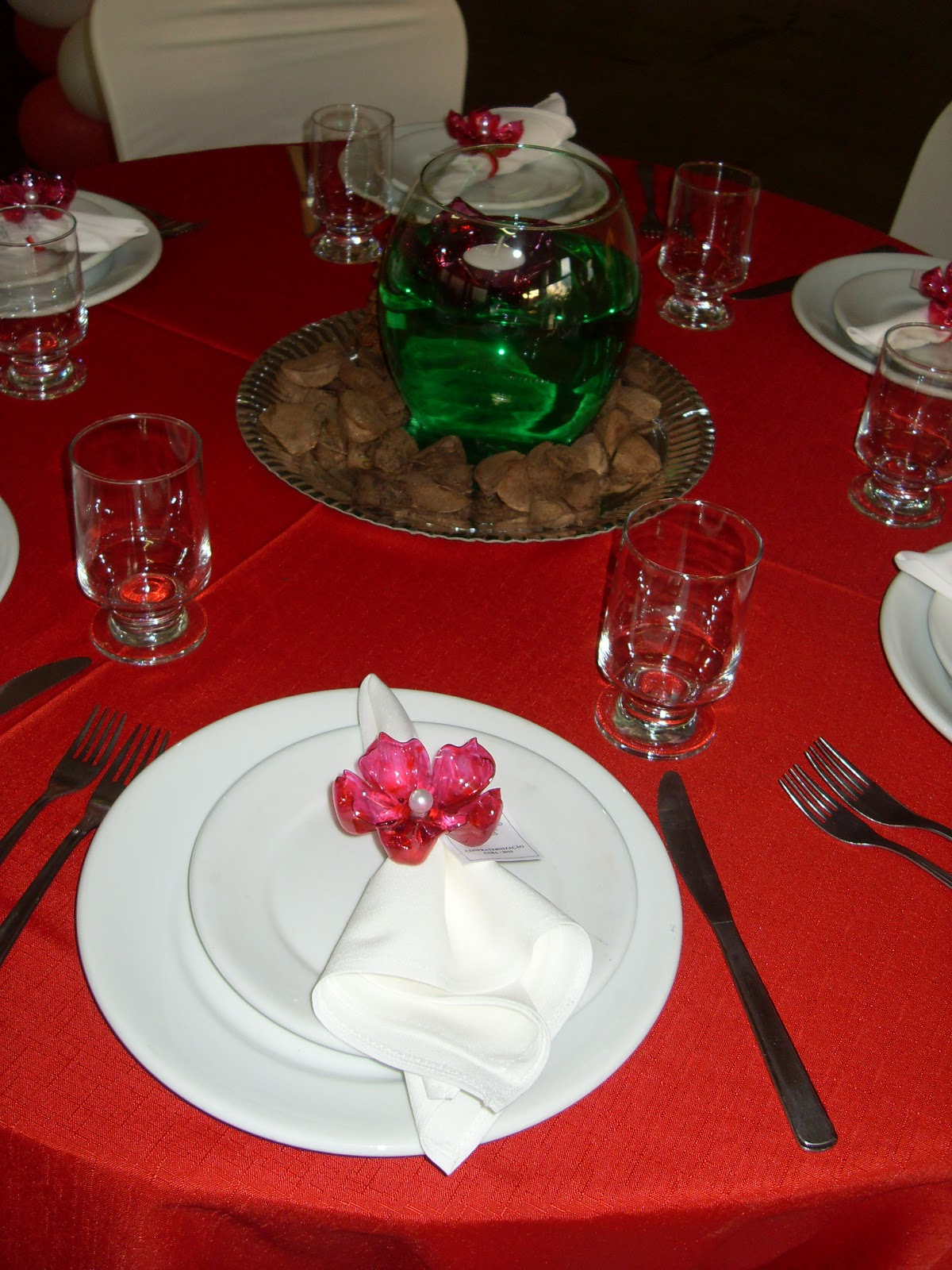 Decoração da mesa de jantar da festa de confraternização da #7E110F 1200x1600