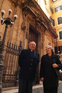 Maestro Joaquim dos Santos com sua irmã Maria em Santo António dos Portugueses | Roma, 2006