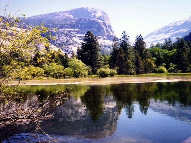 [Lake 01 - 1024x768.jpg]