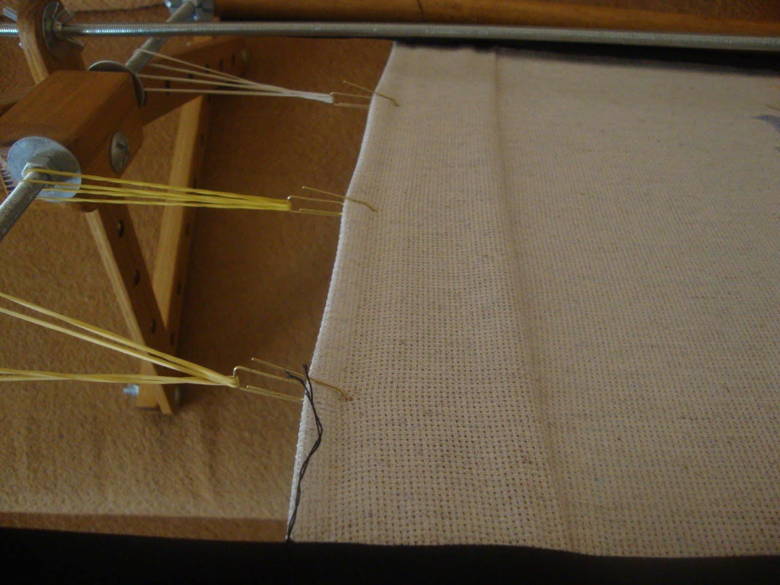 Как закрепить полотно для вышивки в станке 12