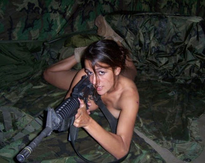 Butterfly's pin'up - Page 3 Army_girl