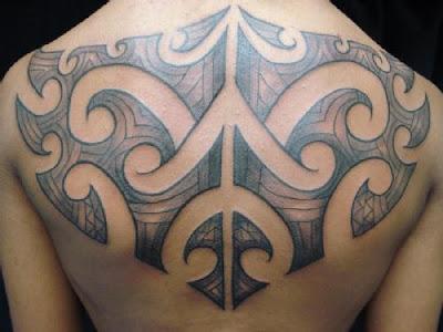 Tatuagem Tribal nas Costas